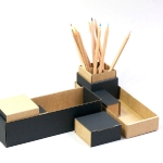 Pencils boxes Adonde. In recycled cardboard. 17 €. http://www.balouga.com