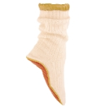 SLIPPER SOCKS FOR PLANE. HOLISTIC SILK. © Hand knitted in the Himalayas from angora, merino wool and satin. Available in 3 colors. 61€ http://www.holisticsilk.com