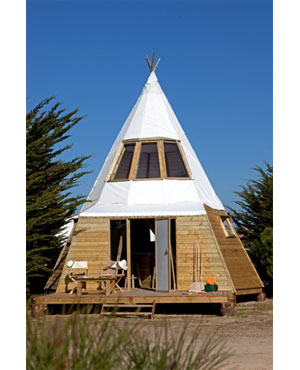 Alain Dominique Perrin invents the modern tipi