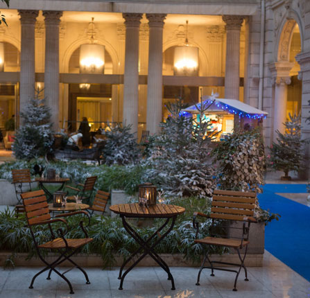 The patio of the Westin Paris-Vendôme under the snow