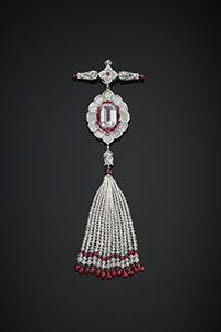 Pendant brooch set with diamonds and rubies By Bhagat, Mumbai, India © The Al Thani Collection © Servette Overseas Limited, 2014. Photograph: Prudence Cuming Associates Ltd