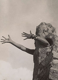 """The Modern Lens: International Photography"" at the Tate Modern, St Ives. Claude Cahun, Extend my arms. Courtesy of Tate Modern"