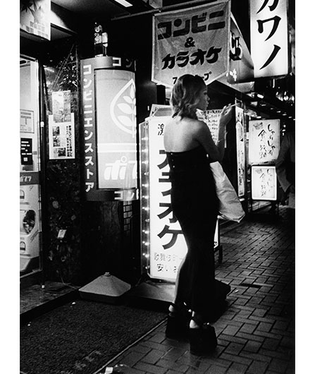 """We can make another future: Japanese Art after 1989"" à la Queenslans Gallery of Modern Art, Brisbane. Japon b.1938 / Shinjuku © MORIYAMA, Daido. Courtesy Taka Ishii Gallery"