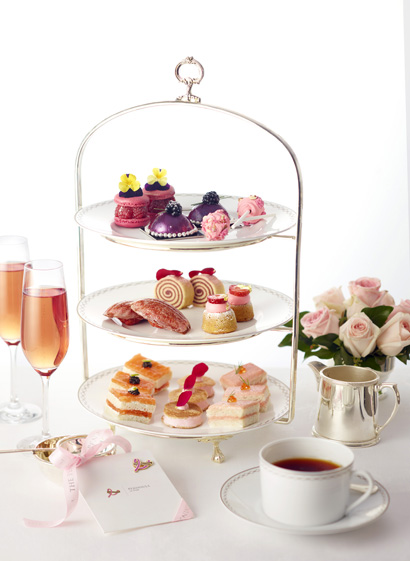 Pink Afternoon Tea, Le Peninsula Paris. Courtesy Le Peninsula Paris