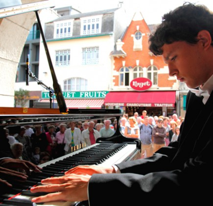 6th edition of 'Mad Pianos', Touquet, Courtesy of Les Pianos Folies.