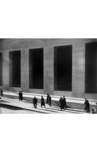 Paul Strand, Wall Street, New York City, 1915. Courtesy of Philadelphia Museum of Art