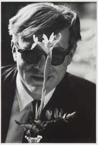 Andy Warhol with Flower, Scratching the Surface : Photographs by Dennis Hopper, Gagosian Gallery. Courtesy of Gagosian Gallery