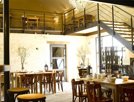 Inside view of the Bistrot des Ecuries ©Bistrot des Ecuries